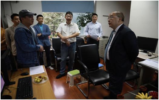 科技厅刘东厅长一行赴省科学技术 信息研究所调研指导工作